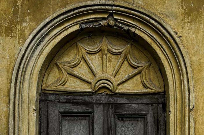 myanmars-disappearing-doors-1582234946