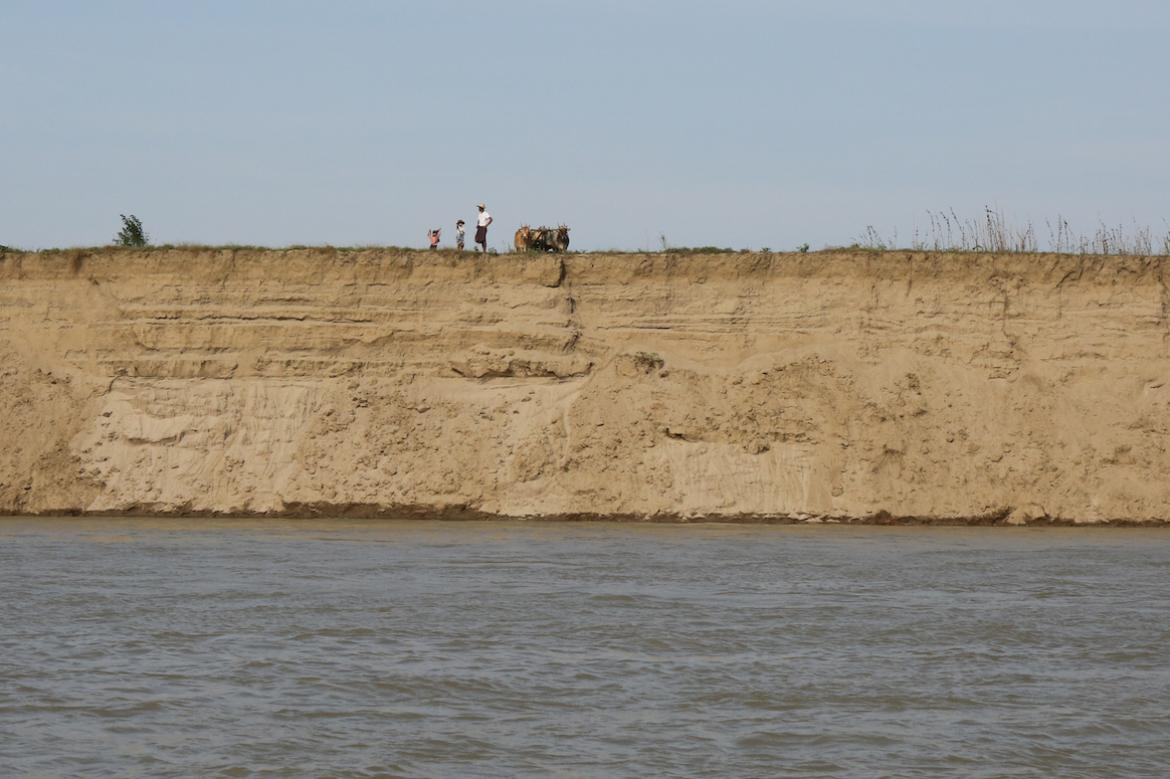 our-land-is-collapsing-around-us-ayeyarwady-at-risk-from-rampant-sand-mining-1582173142