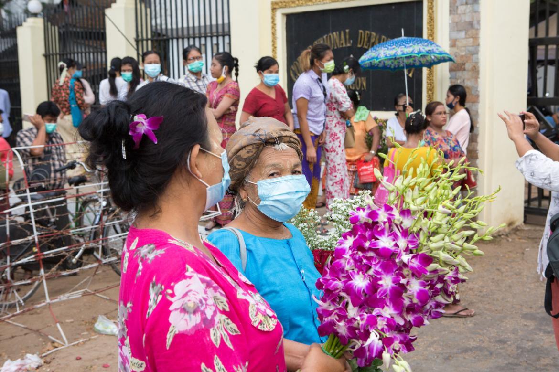myanmar-to-release-25000-prisoners-amid-virus-fears-1591165525