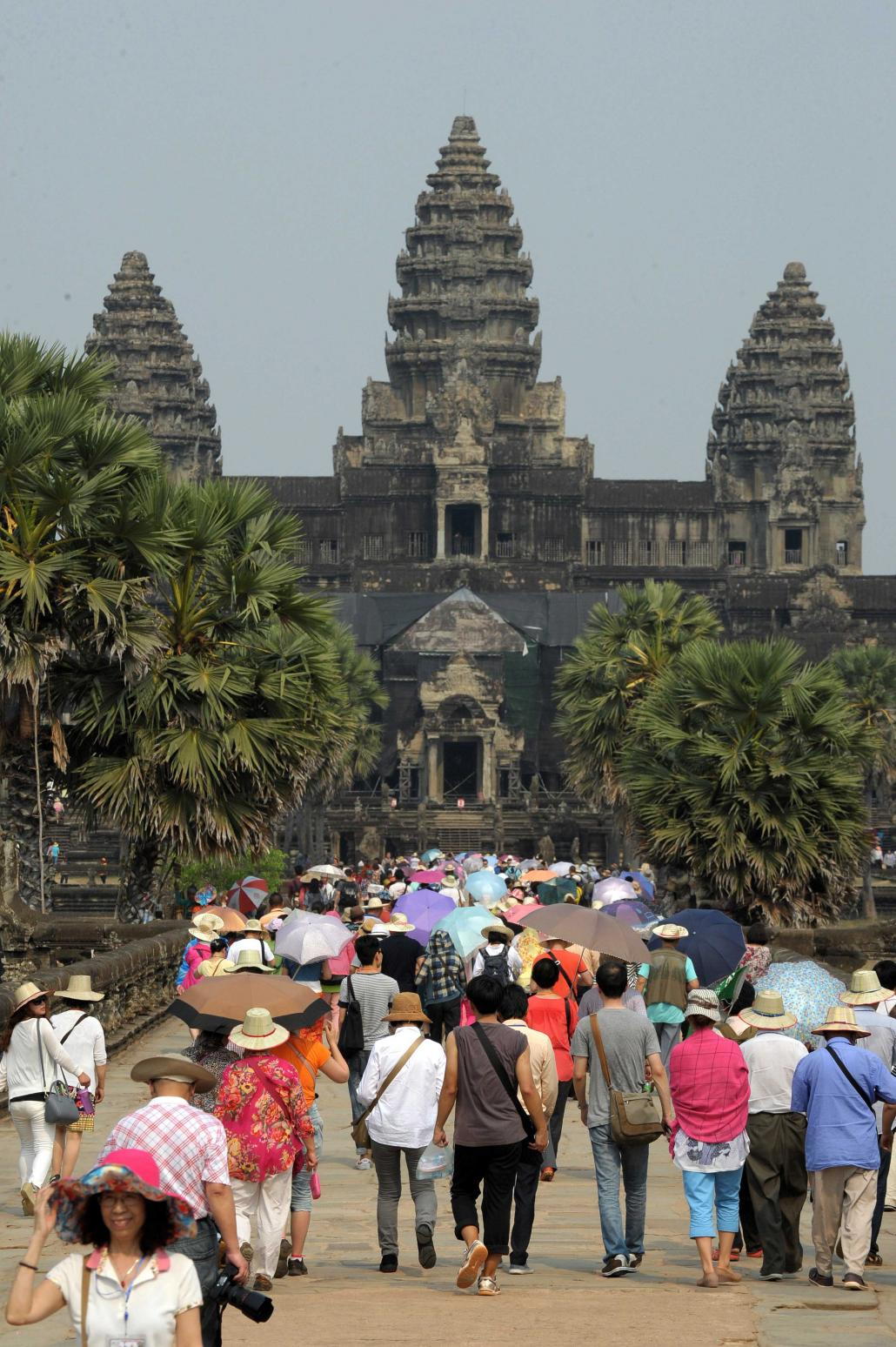 Tourists visit Angkor Wat in Cambodia in January 2015. (AFP)