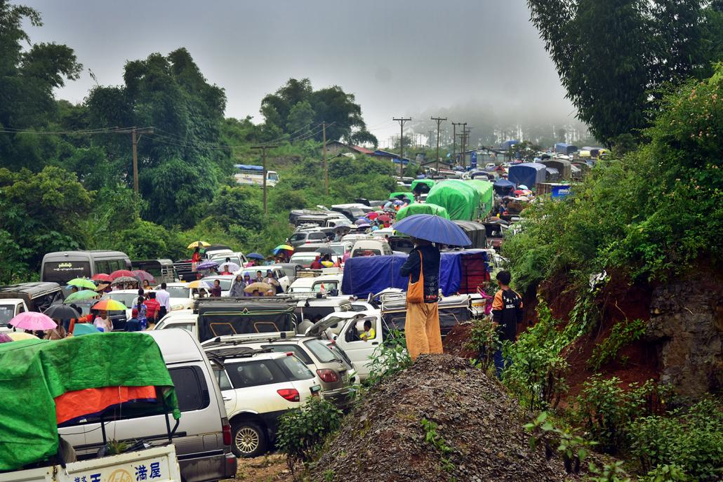 A traffic jam in Shan State's Kutkai Township, on the highway from Myanmar to China. (Kyaw Lin Htoon | Frontier)