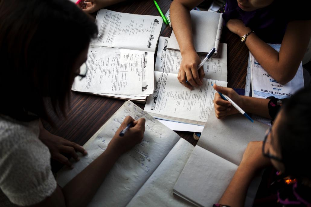 Students studying for Myanmar's matriculation exam. (Ann Wang / Frontier)