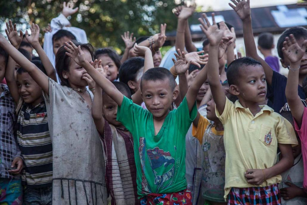 Children at an IDP camp in Kayin State. (Theint Mon Soe — J / Frontier)