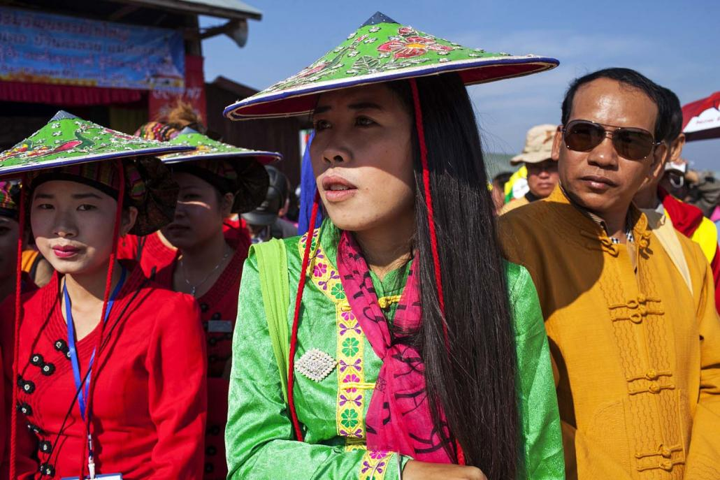 Shan in traditional dress attend the Shan National Day celebrations at the headquarters of the Restoration Council of Shan State in Loi Tai Leng on February 7, 2015. (AFP)