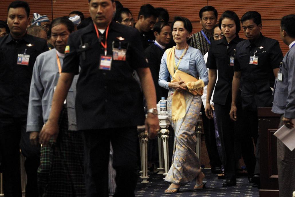 State Counsellor Daw Aung San Suu Kyi arrives for the opening of the second 21st Century Panglong conference on Wednesday. (Nyein Su Wai Kyaw Soe | Frontier)