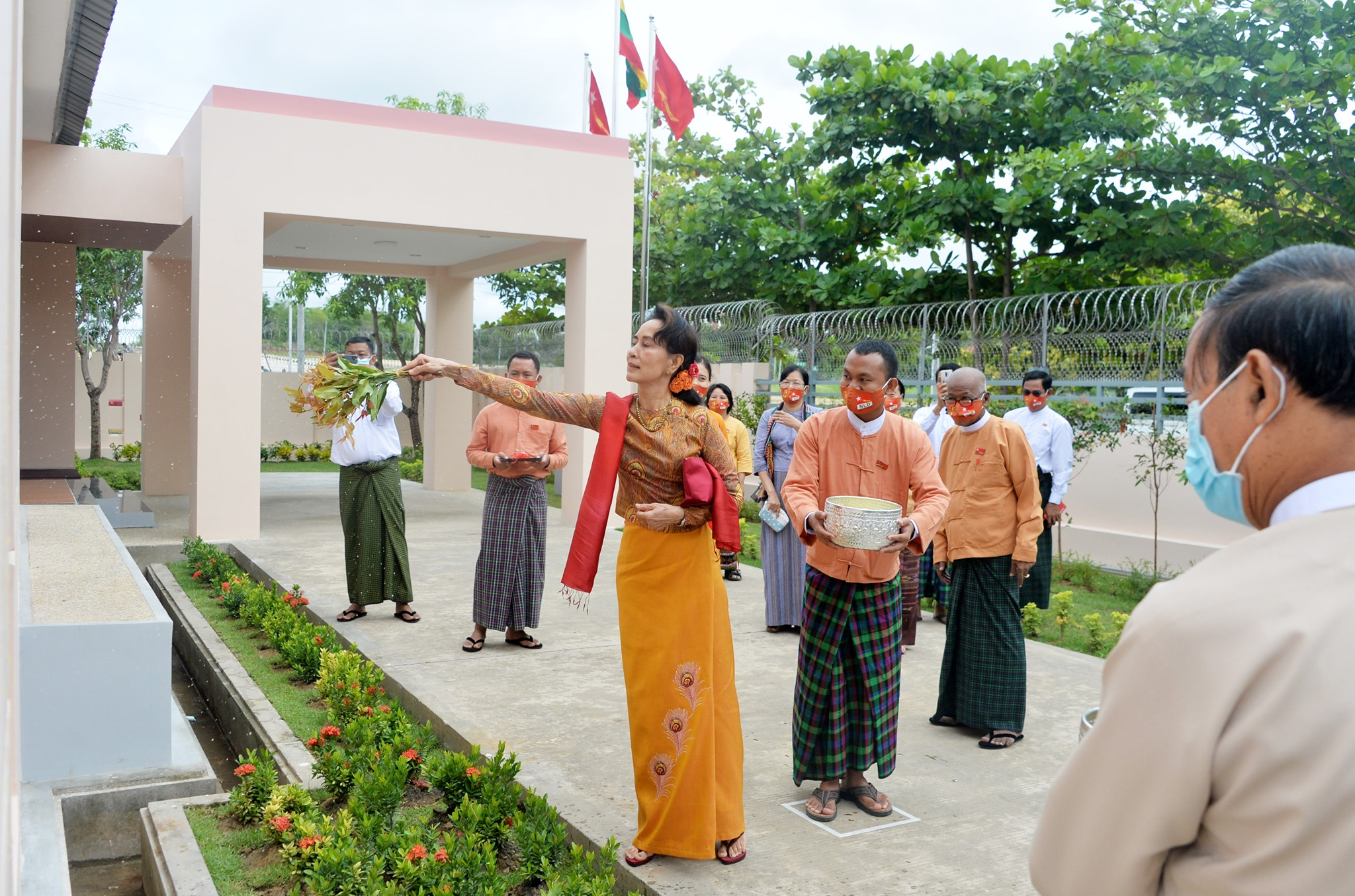 Daw Aung San Suu Kyi opens the National League for Democracy office in Nay Pyi Taw's Ottarathiri Township on July 5. (Supplied | NLD Facebook)