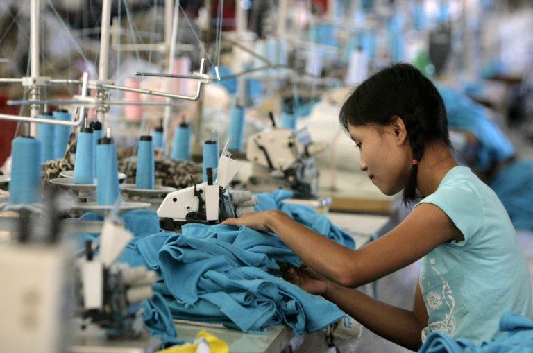 2007-06-03t120000z_148756871_gm1dvjyothaa_rtrmadp_3_myanmar-thailand-workers.jpg