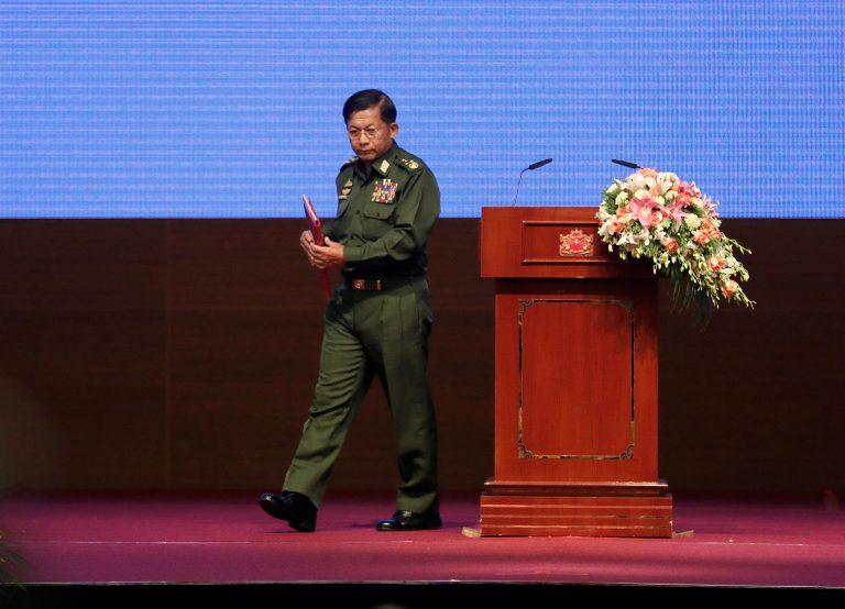 2017-10-15t071920z_116816473_rc1a807e0e70_rtrmadp_3_myanmar-politics.jpg
