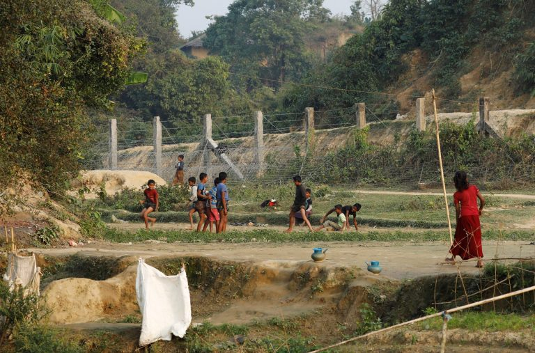 2018-01-12t135648z_215886061_rc1b9e648130_rtrmadp_3_myanmar-rohingya-bangladesh.jpg