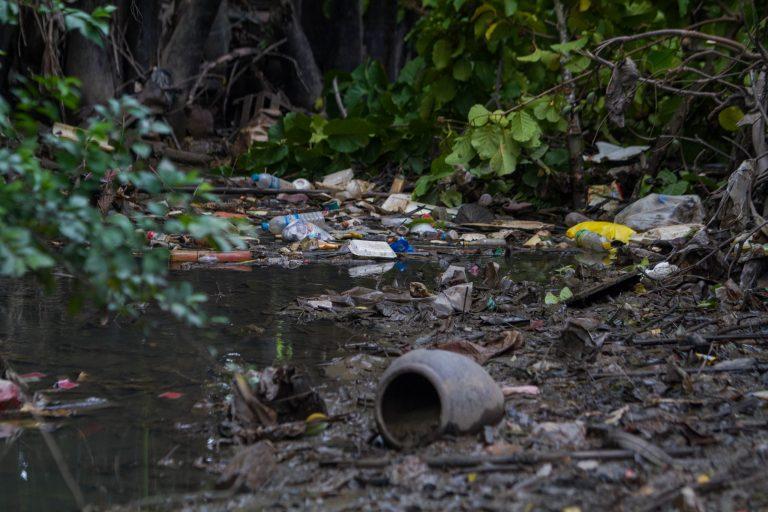 မော်လမြိုင်မြို့၊ လမုတန်းရပ်ကွက်က ဒေသခံများ နေထိုင်ရသည့် အခြေအနေများ။ (နော်ဘတ်တီဟန် | ဖရွန်းတီးယားမြန်မာ)