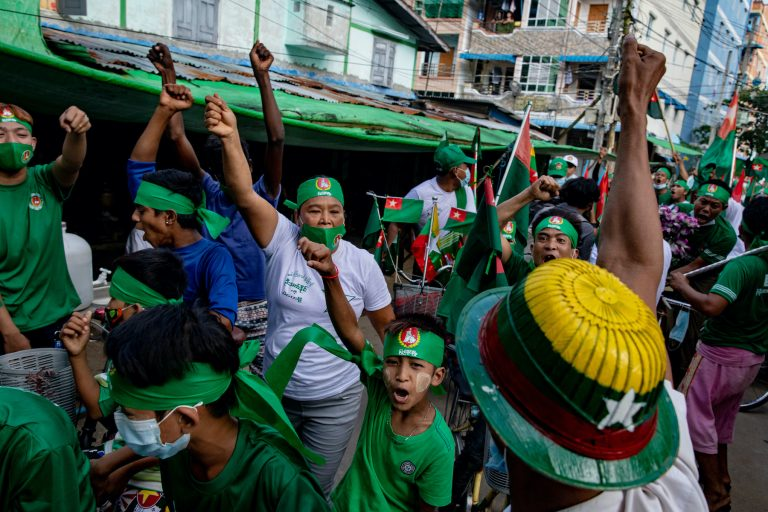 Union Solidarity and Development Party supporters campaign in Yangon's Dawbon Township on November 5. (Hkun Lat   Frontier)