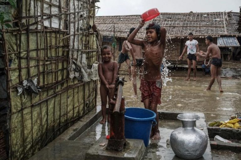 as-camps-close-in-rakhine-humanitarians-fear-complicity-in-permanent-segregation-1582181061