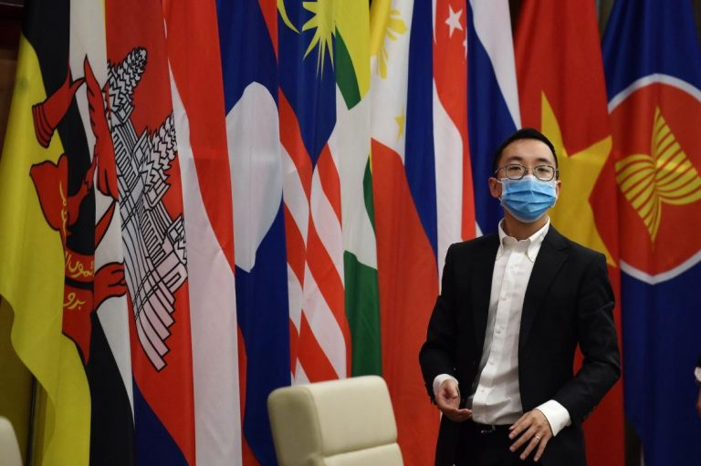 as-virus-bites-asean-leaders-make-vow-on-food-and-medicine-supply-1591165566