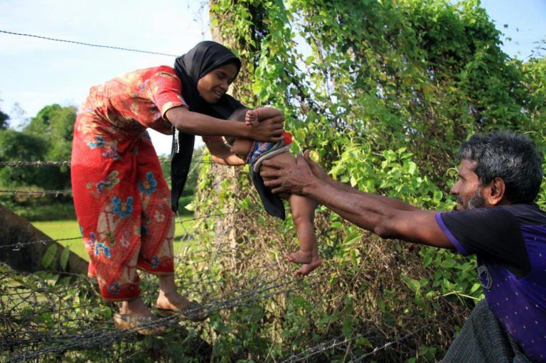 at-least-6000-stranded-on-bangladesh-border-official-1582215104