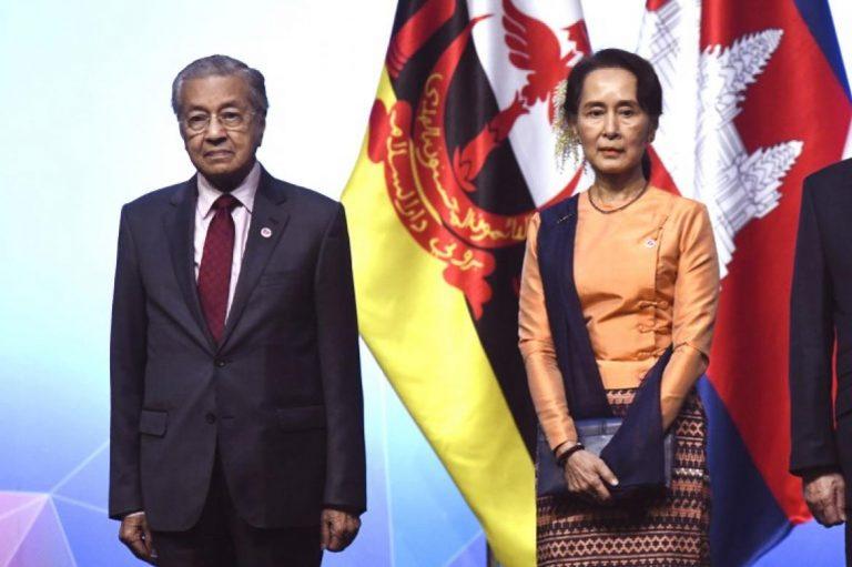 aung-san-suu-kyi-stance-on-rohingya-indefensible-malaysia-pm-1582204868