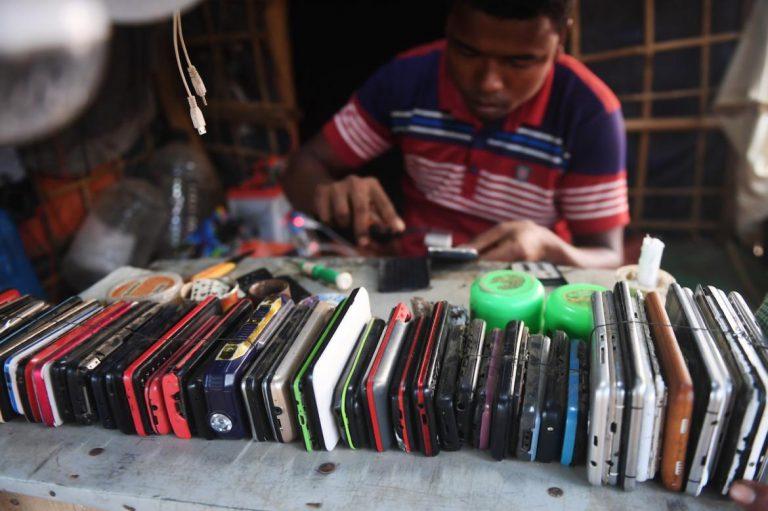 bangladesh-bans-mobile-phone-access-in-rohingya-camps-1582199474