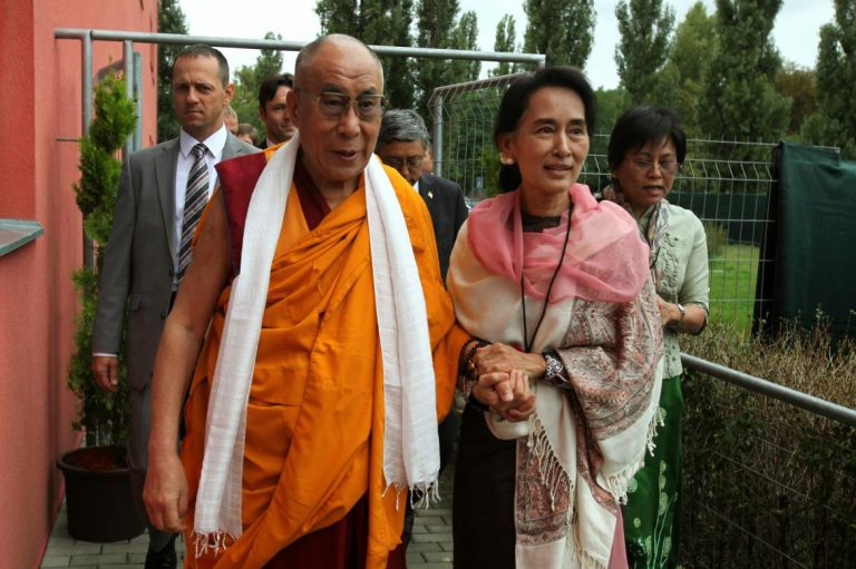 dalai-lama-calls-on-aung-san-suu-kyi-for-peaceful-end-to-rakhine-crisis-1582214504