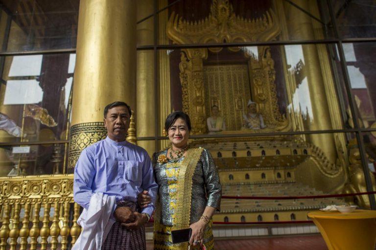 descendants-of-myanmars-last-king-mark-his-exile-by-britain-1582222235