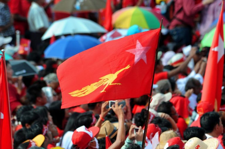 Thousands gather for an NLD rally in Yangon on November 1, 2015, a week before the general election that the party won in a landslide. (Steve Tickner | Frontier)