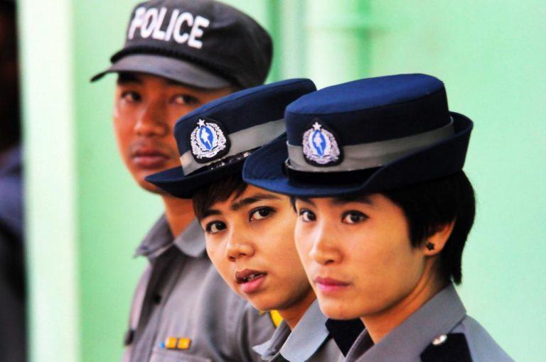 female_police_2.jpg