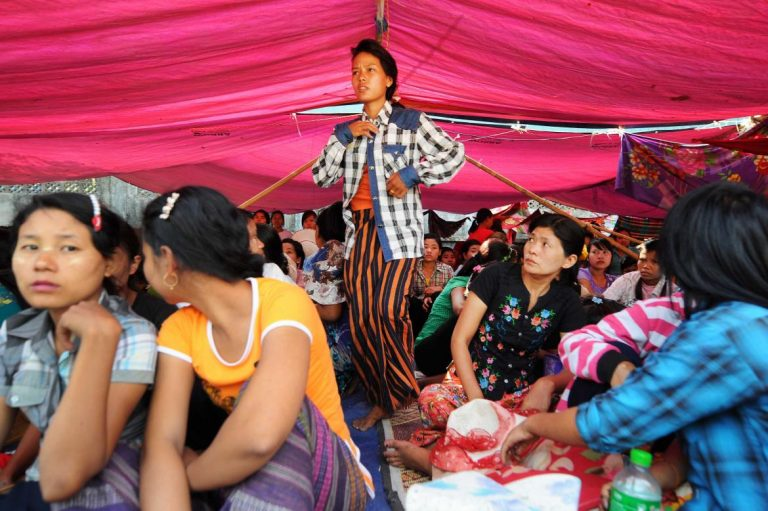 garment-sector-delegation-visits-dhaka-to-study-womens-centres-1582175485