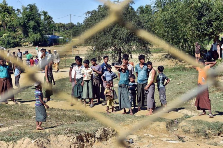 messages-of-welcome-sound-hollow-in-northern-rakhine-state-1582231237