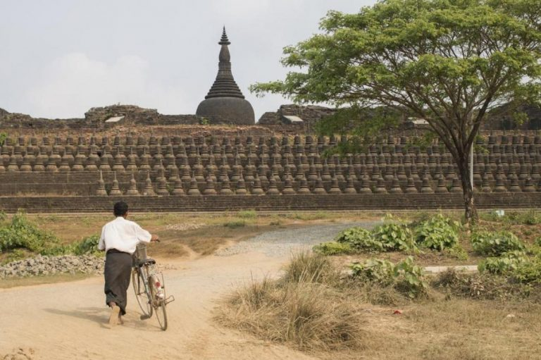 myanmar-military-fights-arakan-army-among-ancient-rakhine-temples-1582202659