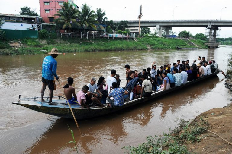 myanmar-muslim-migrants-in-thailand-at-risk-under-new-law-bhrn-1582181501
