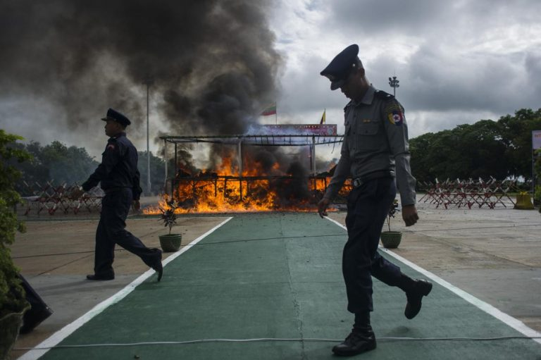 myanmar-thailand-torch-1-billion-of-seized-drugs-1582216814