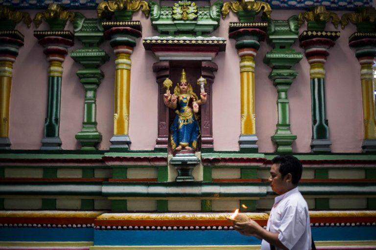 myanmars-hindu-community-looks-west-1582118490