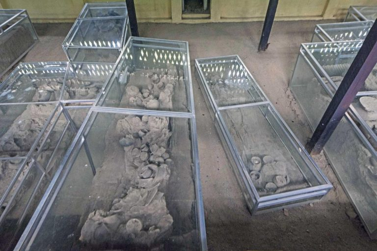 once-feted-by-myanmars-junta-bronze-age-cemetery-site-returns-to-the-spotlight-1582183371