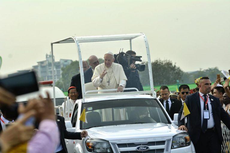pope-holds-landmark-mass-for-myanmar-catholics-1582212633