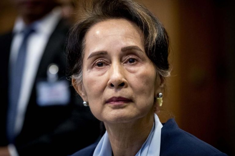 small-blasts-hit-rakhine-town-as-aung-san-suu-kyi-visits-1582198324