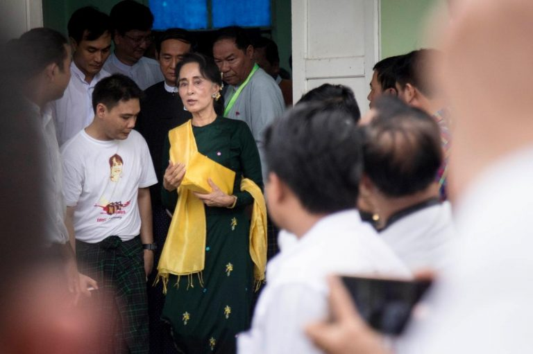 suu-kyi-explains-presidential-picks-to-nld-mps-1582227009