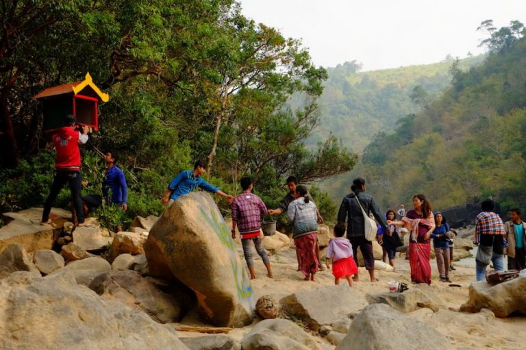 tanintharyi-villagers-seek-divine-intervention-in-dawei-sez-battle-1582194062