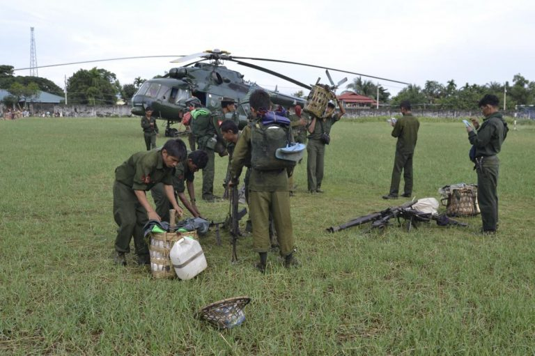 tatmadaw-soldiers-caught-smuggling-meth-pills-in-rakhine-1582218057
