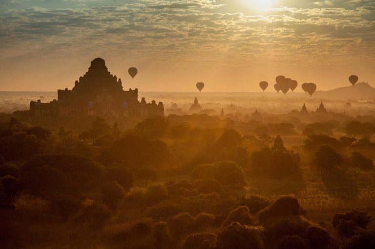 the-awesome-beauty-of-bagan-and-angkor-wat-1582184489