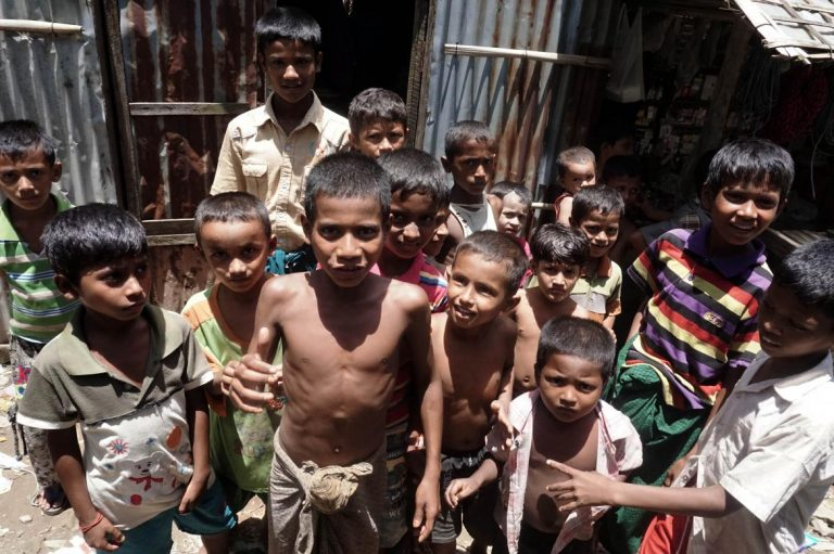un-gives-govt-aid-cut-warning-over-camp-closures-in-rakhine-1582201213