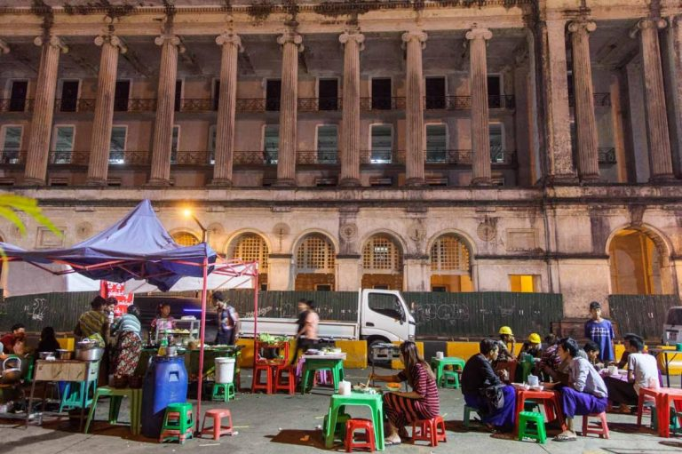 vendors-struggle-to-adjust-to-new-yangon-night-market-1582117827